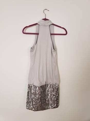 Foto Carousel Producto: Vestido con lentejuelas plateadas GoTrendier