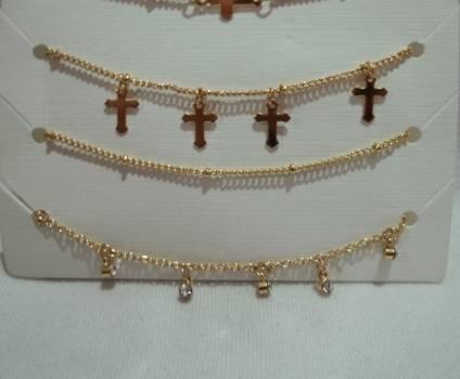 Foto Carousel Producto: Set Pulsera cruces NUEVAS!! GoTrendier