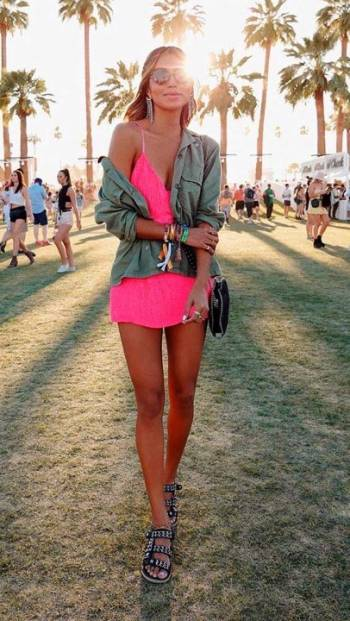 Foto Carousel Producto: Vestido rosa neon GoTrendier
