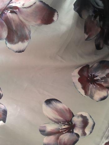 Foto Carousel Producto: Falda flores GoTrendier