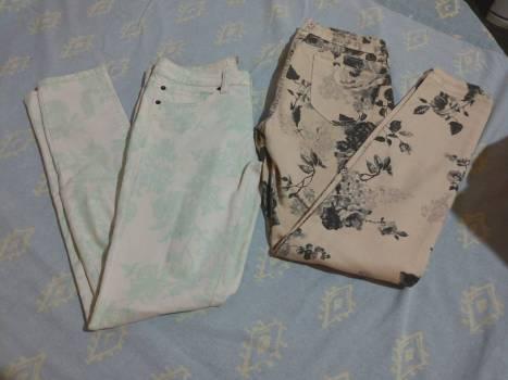 Foto Carousel Producto: Jeans floreados GoTrendier