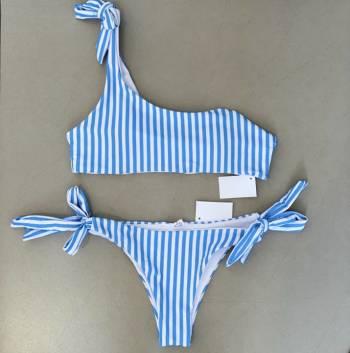Foto Carousel Producto: Traje de baño rayas GoTrendier