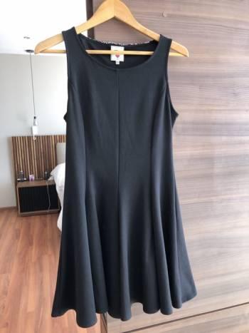 Foto Carousel Producto: Vestido con apliques en espalda GoTrendier