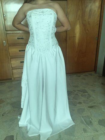 Foto Carousel Producto: Vestido de novia o quinceañera GoTrendier