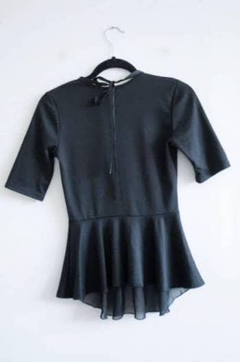 Foto Carousel Producto: Blusa Negra con collar incluido GoTrendier