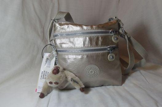 Foto Carousel Producto: Bolsa Kipling Alvar XS Color Silverbeige GoTrendier