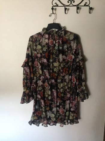 Foto Carousel Producto: Maxi Vestido con olanes H&M GoTrendier