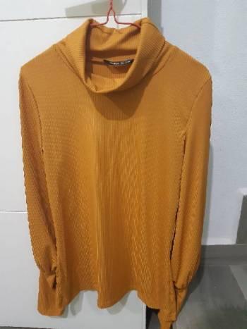 Foto Carousel Producto: Blusa de cuello de tortuga  GoTrendier