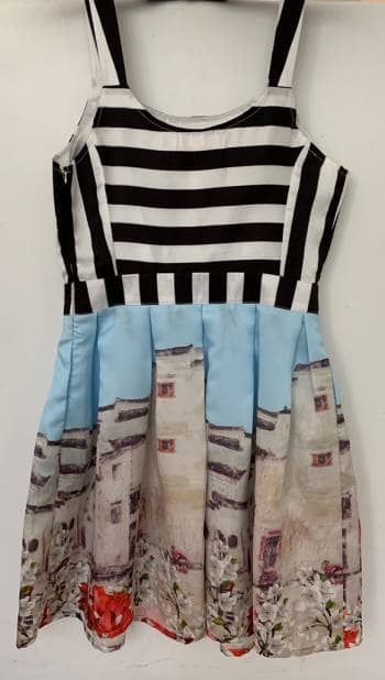 Foto Carousel Producto: Vestido con print GoTrendier