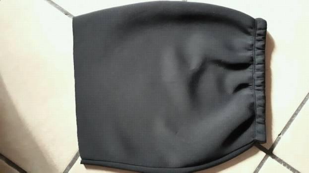 Foto Carousel Producto: Falda negra entallada GoTrendier