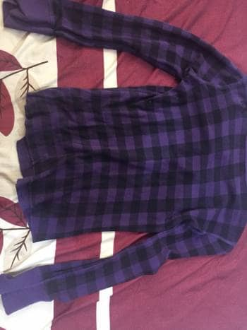 Foto Carousel Producto: Blusa morada con negro GoTrendier