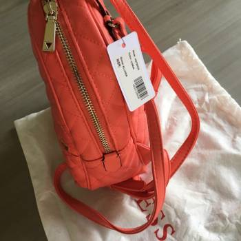 Foto Carousel Producto: Back pack guess  GoTrendier