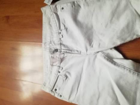 Foto Carousel Producto: Pantalón blanco GoTrendier