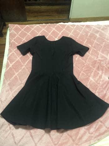 Foto Carousel Producto: Vestido negro linea A GoTrendier