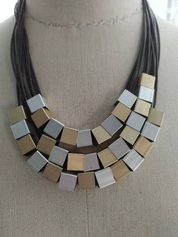 Foto Carousel Producto: Collar mecate con metal GoTrendier