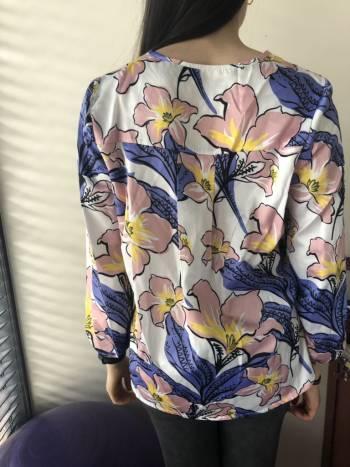 Foto Carousel Producto: Blusa floreada GoTrendier