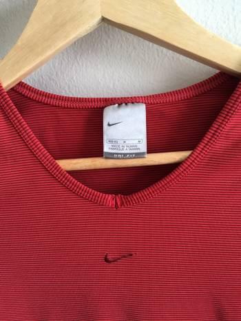 Foto Carousel Producto: Blusa Nike Drifit Roja ¡Rebajada! GoTrendier