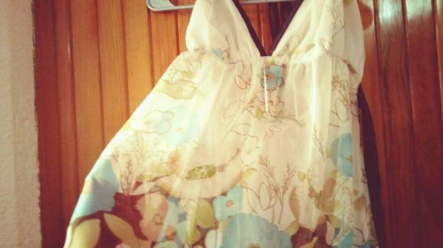 Foto Carousel Producto: Hermosa blusa con flores  GoTrendier