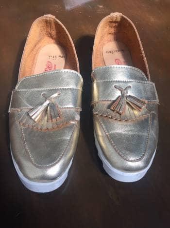 Foto Carousel Producto: Flats mocasines oxford color dorado GoTrendier