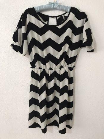 Foto Carousel Producto: Vestido corto rayado GoTrendier