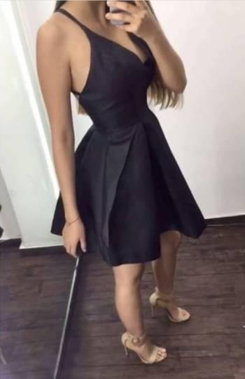 Foto Carousel Producto: Vestido negro escote V  GoTrendier