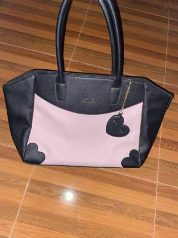 Foto Carousel Producto: Bolsa by loly in the sky (Mary Kay) GoTrendier
