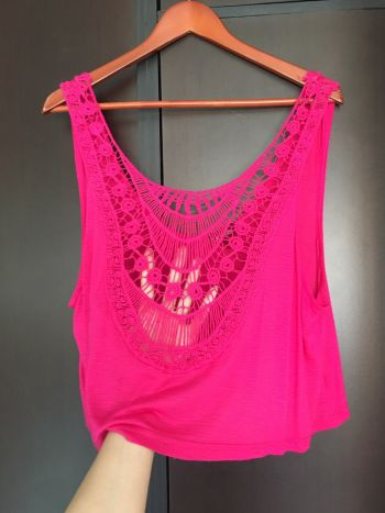 Foto Carousel Producto: Blusa tipo crop top rosa ✅ GoTrendier