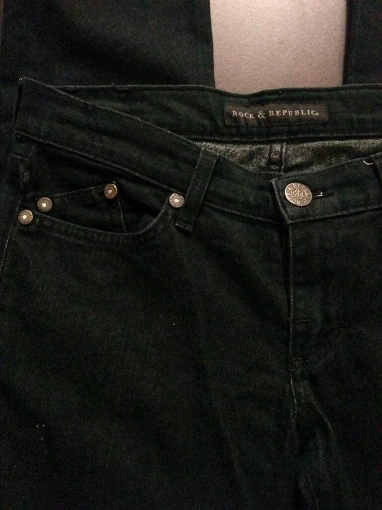 2X1 Pantalón entubado negro de Rock And Republic de ...