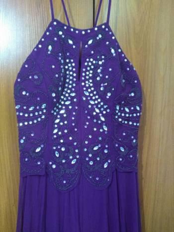 Foto Carousel Producto: Vestido de noche color uva GoTrendier