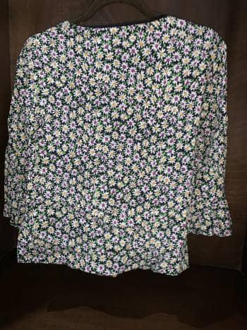 Foto Carousel Producto: Hermosa blusa de flores GoTrendier