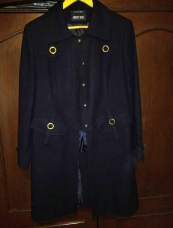 Foto Carousel Producto: Abrigo negro 82% lana GoTrendier