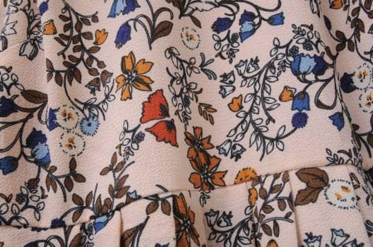 Foto Carousel Producto: Vestido midi de flores GoTrendier