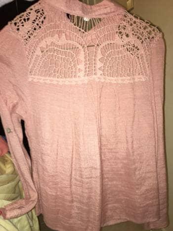 Foto Carousel Producto: Blusa rosa encaje GoTrendier