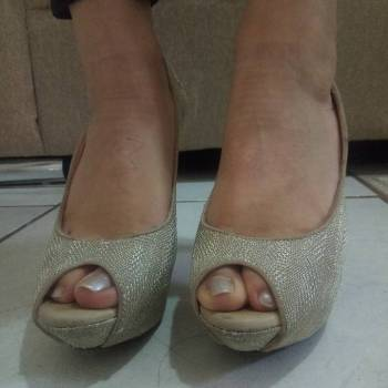 Foto Carousel Producto: Zapatillas doradaa GoTrendier