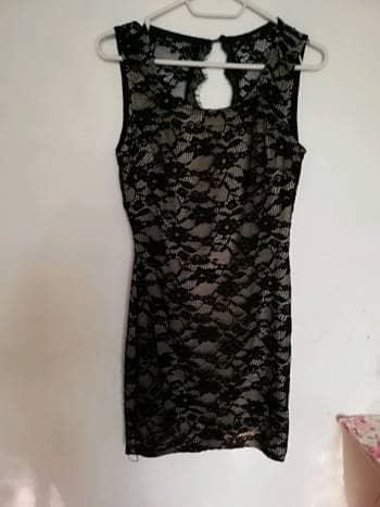 Foto Carousel Producto: Vestido negro de encaje. GoTrendier