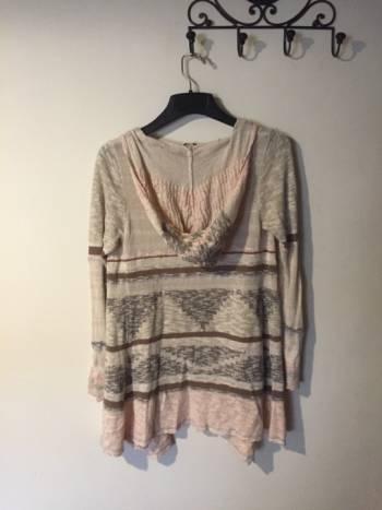 Foto Carousel Producto: Sweater abierto con gorro GoTrendier