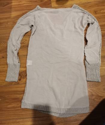 Foto Carousel Producto: Suéter largo gris GoTrendier