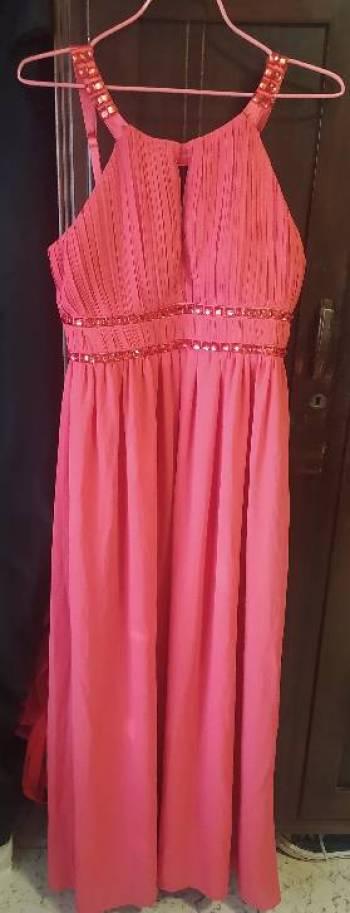 Foto Carousel Producto: Vestido color coral largo GoTrendier