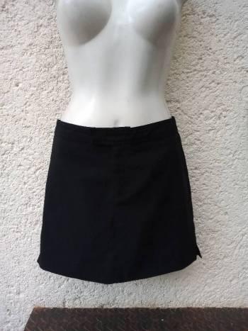 Foto Carousel Producto: Minifalda negra GoTrendier