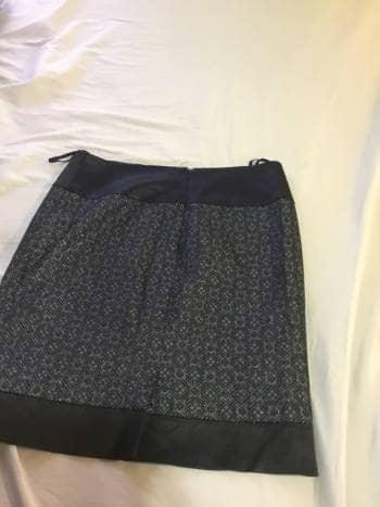 Foto Carousel Producto: Falda negra plateada GoTrendier