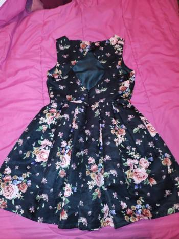Foto Carousel Producto: Vestido de rosas GoTrendier