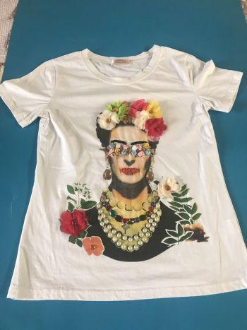 Foto Carousel Producto: Blusa Frida Kahlo GoTrendier