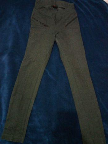 Foto Carousel Producto: Leggings de tela suave gris GoTrendier