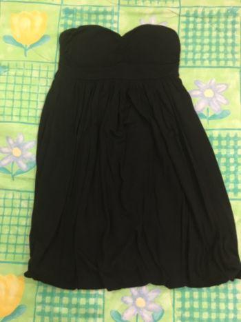 Foto Carousel Producto: Vestido negro strapless GoTrendier