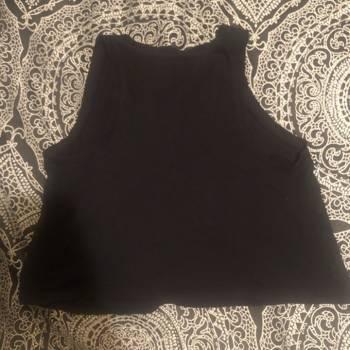 Foto Carousel Producto: Blusa negra sin mangas GoTrendier