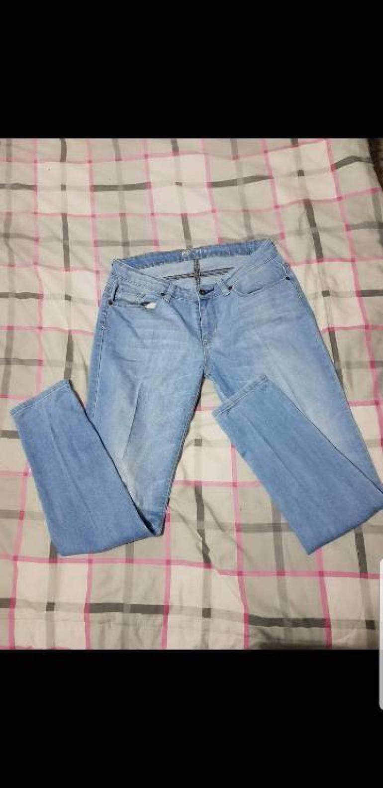 2x1 pantalon azul de C&A de segunda mano - GoTrendier