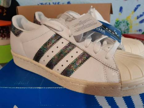 Foto Carousel Producto: Adidas superstar 80s GoTrendier