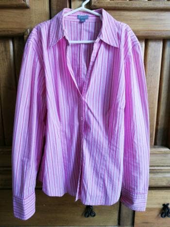 Foto Carousel Producto: Camisa con rayas rosas GoTrendier