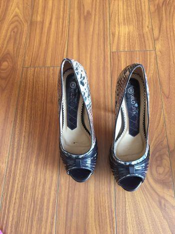 Foto Carousel Producto: Peep toes piel de vibora GoTrendier