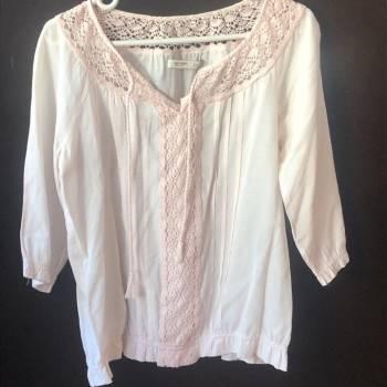 Foto Carousel Producto: Blusa rosa manga 3/4 con cuello tejidito GoTrendier